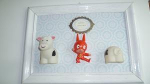 cadeau de naissance  ( fait sur demande) personnalisable : couleur , nom , figurines .....
